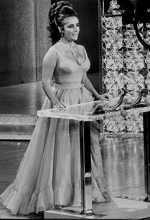 Elizabeth Taylor 82295