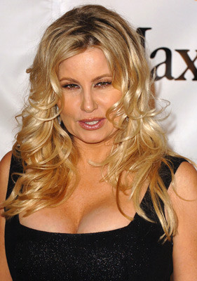 Jennifer Coolidge 209810