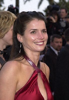 Julia Ormond 104382