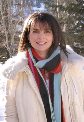 Julia Ormond 104383