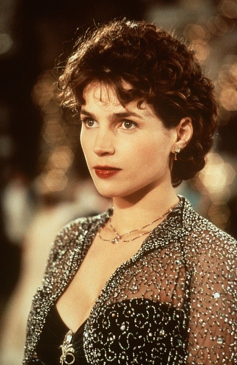 Julia Ormond 104400