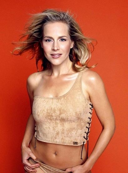 Julie Benz 383306