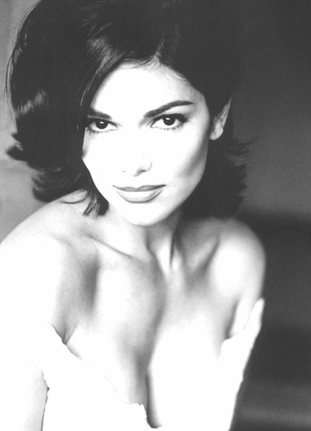 Laura Harring 174390