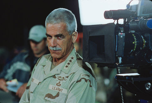 Sam Elliott 100339